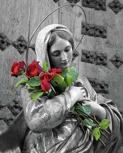 طلبة مريم، ملكة العائلة