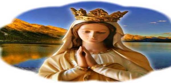 مريم العذراء يا أمي الحنونة