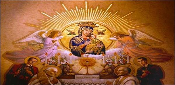 طلبة مريم سيدة المعونة الذائمة